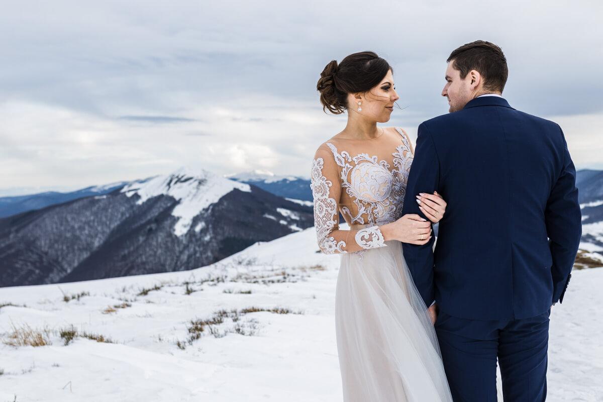 suknia ślubna na zimę