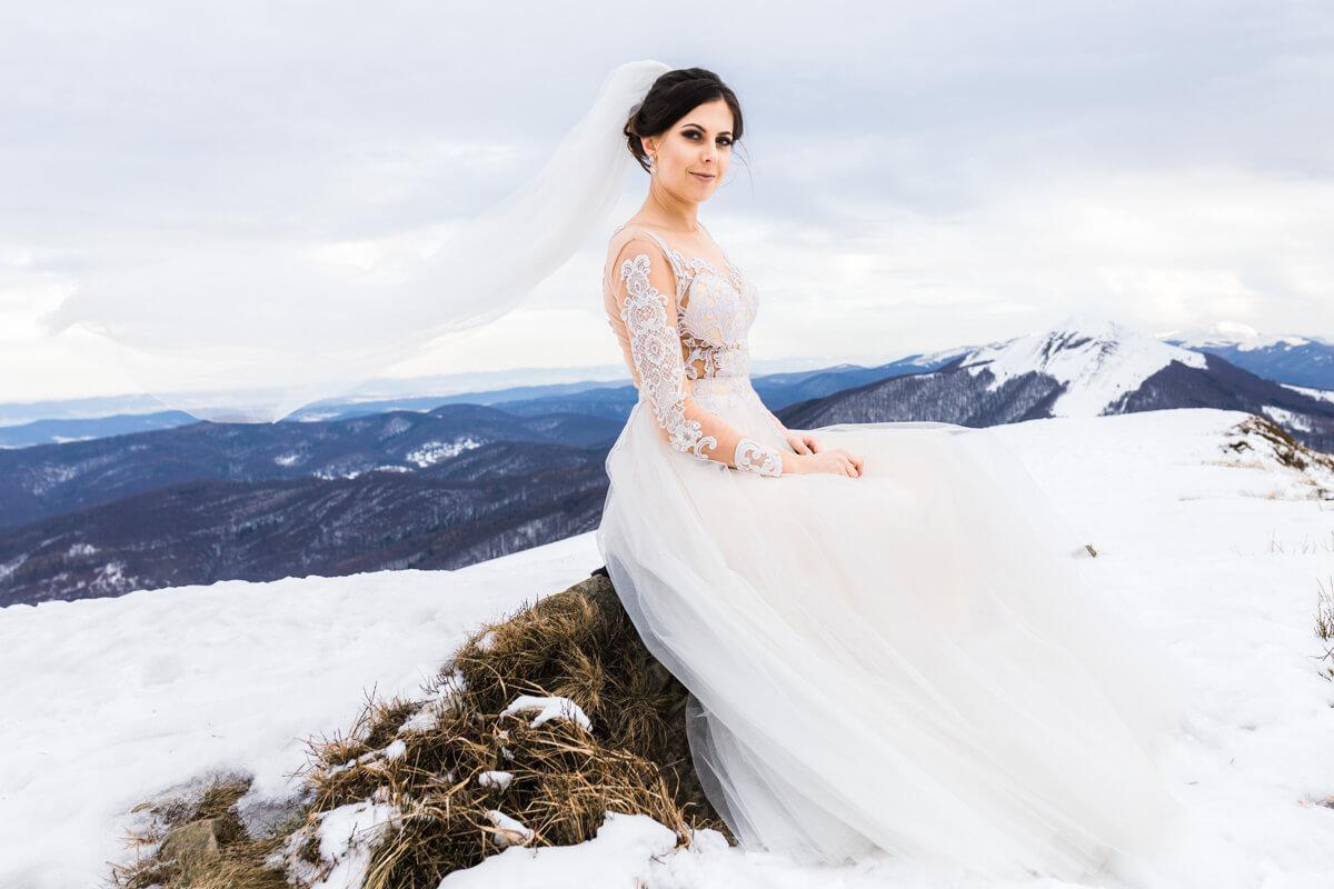 suknia ślubna zimowa