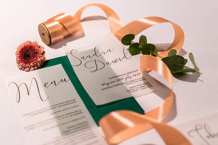 zaproszenia ślubne greneery przezroczyste kaligrafowane złotym tuszem