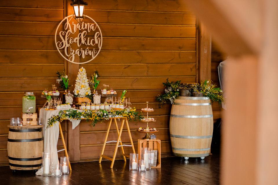 słodki stół na weselu w krakowie